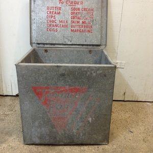 Metal milk box